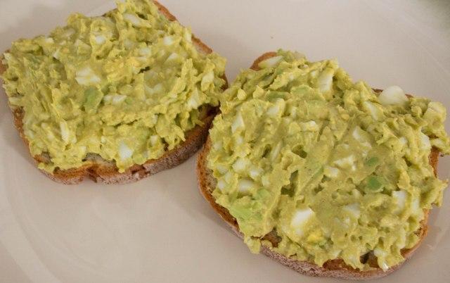 spicy avocado egg salad-1
